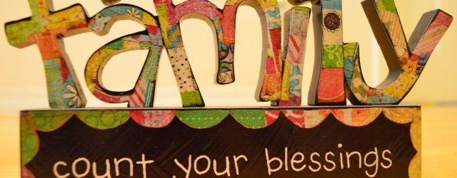 """團契 時間 適合 聚會地點 耶利米伉儷團 每週五晚7:30 有子女的夫婦 VCBC (B14-15) 團契目標: 彼此守望, 靈命成長 耶利米團契 – 扎根 """"你們既然接受了主基督耶穌、就當遵他而行。在他裡面生根建造、信心堅固、正如你們所領的教訓、感謝的心也更增長了。"""" 西2:6-7  團訓: """" 願你們在一切屬靈的智慧悟性上、滿心知道神的旨意。好叫你們行事為人對得起主、凡事蒙他喜悅、在一切善事上結果子、漸漸的多知道神。"""" 西1:9-10"""
